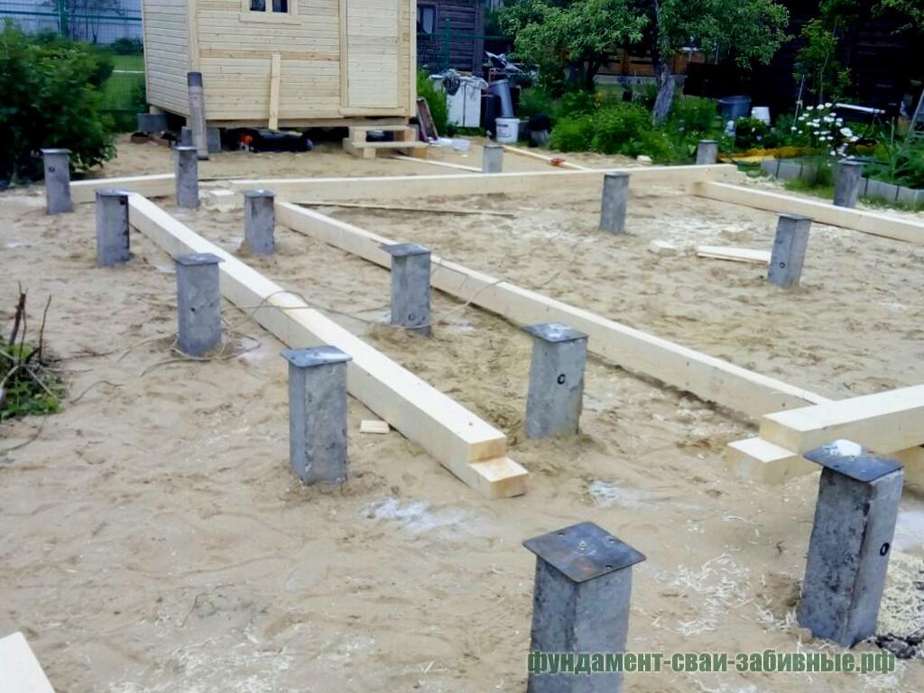 Закончен монтаж фундамента для частного дома из бруса на ЖБ сваях.